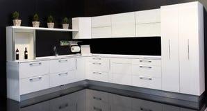 λευκό κουζινών στοκ εικόνα με δικαίωμα ελεύθερης χρήσης