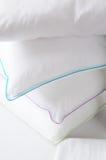 λευκό μαξιλαριών Στοκ εικόνες με δικαίωμα ελεύθερης χρήσης