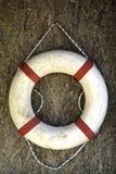 Λευκό με το κόκκινο δαχτυλίδι Lifebuoy Στοκ εικόνα με δικαίωμα ελεύθερης χρήσης