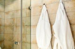 λευκό μπουρνουζιών Στοκ φωτογραφία με δικαίωμα ελεύθερης χρήσης