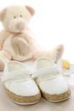λευκό παπουτσιών μωρών στοκ φωτογραφίες με δικαίωμα ελεύθερης χρήσης
