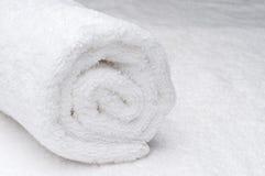 λευκό πετσετών SPA Στοκ εικόνα με δικαίωμα ελεύθερης χρήσης