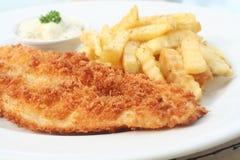 λευκό πιάτων ψαριών τσιπ στοκ φωτογραφίες με δικαίωμα ελεύθερης χρήσης