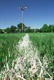 λευκό ποδοσφαίρου γραμμών πεδίων ορίου Στοκ Φωτογραφία
