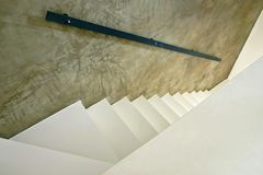 λευκό σκαλοπατιών Στοκ φωτογραφία με δικαίωμα ελεύθερης χρήσης
