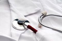 λευκό στηθοσκοπίων τσε& Στοκ φωτογραφία με δικαίωμα ελεύθερης χρήσης