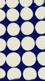 Λευκό στο μπλε Στοκ φωτογραφία με δικαίωμα ελεύθερης χρήσης