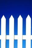 λευκό στύλων φραγών ανασκόπησης στοκ εικόνες με δικαίωμα ελεύθερης χρήσης