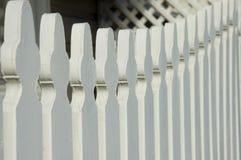 λευκό στύλων φραγών Στοκ Εικόνες