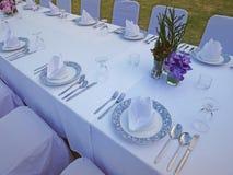 Λευκό σύνολο γευμάτων και ιδιωτικό κόμμα Στοκ Φωτογραφία
