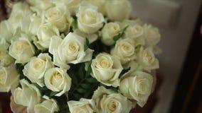 λευκό τριαντάφυλλων ανθ&o απόθεμα βίντεο