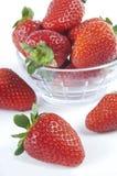 λευκό φραουλών ανασκόπη&sig Στοκ εικόνες με δικαίωμα ελεύθερης χρήσης