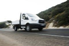 λευκό truck παράδοσης στοκ φωτογραφία με δικαίωμα ελεύθερης χρήσης