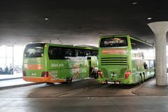 Λεωφορεία FlixBus στοκ εικόνες