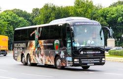 Λεωφορείο λιονταριών ` s ΑΤΟΜΩΝ R08 στοκ φωτογραφία