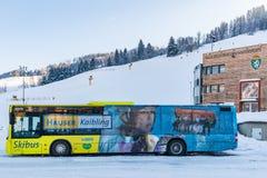 Λεωφορείο σκι ΑΤΟΜΩΝ στην περιοχή σκι schladming-Dachstein - Hauser Kaibling, σκι Amade, περιοχή Liezen, Styria, Αυστρία, στοκ εικόνες με δικαίωμα ελεύθερης χρήσης
