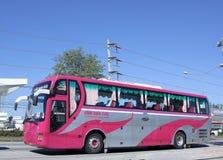Λεωφορείο ταξιδιού της επιχείρησης μεταφορών που περιορίζεται Στοκ Εικόνες