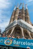 Λεωφορείο τουριστών κοντά Sagrada Familia στη Βαρκελώνη Στοκ φωτογραφία με δικαίωμα ελεύθερης χρήσης