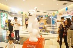 Λεωφόροι αγορών Shenzhen, μεγάλη έκθεση αγαλμάτων αρκούδων Στοκ Εικόνες