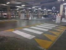 Λεωφόρος αγορών περιοχής χώρων στάθμευσης Στοκ φωτογραφία με δικαίωμα ελεύθερης χρήσης