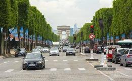 Λεωφόρος και θριαμβευτική αψίδα Arc de Triomphe Elysee Champs στο Παρίσι, Γαλλία Στοκ Εικόνα
