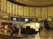 Λεωφόρος μόδας στη λεωφόρο του Ντουμπάι στο Ντουμπάι, Ε.Α.Ε. Στοκ Φωτογραφία