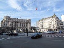 Λεωφόρος Victoriei Calea στο κεντρικό Βουκουρέστι, Ρουμανία Στοκ Φωτογραφία