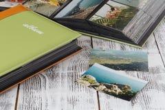 Λεύκωμα φωτογραφιών με τις θερινές εικόνες Θυμηθείτε των διακοπών θερινής θάλασσας στοκ εικόνες