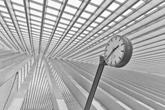ΛΙΕΓΗ, ΒΕΛΓΙΟ - το Δεκέμβριο του 2014: Αφηρημένη άποψη σχετικά με τη στέγη με το s Στοκ Φωτογραφία