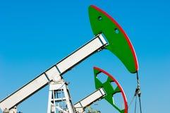 Λικνίζοντας πετρέλαιο ημέρας Καζακστάν αντλίες πετρελαίου μήνα Ιουνίου δυτικές Βιομηχανία πετρελαίου equipment 33c ural χειμώνας  Στοκ Εικόνα