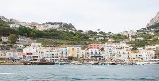 Λιμάνια Capri στον κόλπο της Νάπολης Ιταλία στοκ εικόνα με δικαίωμα ελεύθερης χρήσης