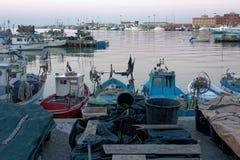 Λιμάνι ή λιμένας βαρκών στο λυκόφως Στοκ Φωτογραφίες