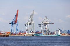 Λιμάνι εμπορευματοκιβωτίων στο Αμβούργο, Γερμανία Στοκ Εικόνες