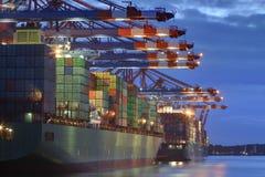 Λιμάνι εμπορευματοκιβωτίων Στοκ φωτογραφία με δικαίωμα ελεύθερης χρήσης