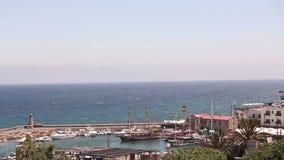 Λιμάνι και μεσαιωνικό κάστρο στην πόλη της Κερύνειας, Κύπρος, φυσική άποψη της Κερύνειας, παλαιό λιμάνι Ένας μικρός κόλπος για τα φιλμ μικρού μήκους