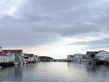 Λιμάνι με το αλιευτικό σκάφος Στοκ εικόνα με δικαίωμα ελεύθερης χρήσης