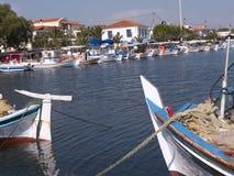 Λιμάνι σε Skala Kalloni στο νησί της Λέσβου Ελλάδα στοκ εικόνες