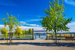 Λιμάνι στην πόλη Kreuzlingen με τη λίμνη Constance στοκ εικόνα