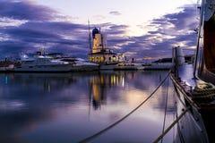 Λιμάνι στο ηλιοβασίλεμα στοκ εικόνα με δικαίωμα ελεύθερης χρήσης