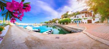 Λιμάνι στο χωριό Makri Gialos στη νότια Κρήτη, Ελλάδα στοκ εικόνα με δικαίωμα ελεύθερης χρήσης