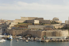 Λιμάνι της Μασσαλίας - φρούριο του Saint-Nicolas Στοκ Φωτογραφίες