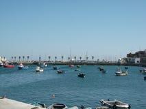 Λιμάνι του Κασκάις σε ένα ηλιόλουστο απόγευμα (Πορτογαλία) Στοκ φωτογραφία με δικαίωμα ελεύθερης χρήσης