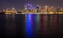 Λιμάνι του Σίδνεϊ τη νύχτα στοκ φωτογραφία