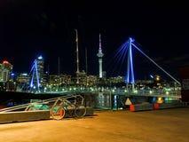 Λιμάνι του Ώκλαντ τη νύχτα Στοκ φωτογραφία με δικαίωμα ελεύθερης χρήσης