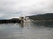 Λιμάνι 2 φιορδ της Νορβηγίας Burfjord στοκ φωτογραφία