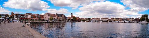 Λιμάνι Waren MÃ ¼ ritz Γερμανία πανοράματος Στοκ εικόνες με δικαίωμα ελεύθερης χρήσης