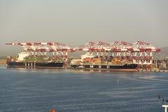 Λιμένας Βαρκελώνη Ισπανία εμπορευματοκιβωτίων από τη θάλασσα Στοκ Φωτογραφίες