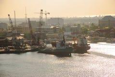 Λιμένας Γκραν Κέιμαν από τη θάλασσα στοκ φωτογραφίες