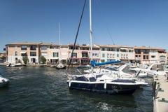 Λιμένας και λιμάνι σε Άγιος-Tropez Grimaud στο γαλλικό Riviera Στοκ εικόνα με δικαίωμα ελεύθερης χρήσης