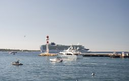 Λιμένας και λιμάνι σε Άγιος-Tropez Grimaud στο γαλλικό Riviera Στοκ Εικόνα